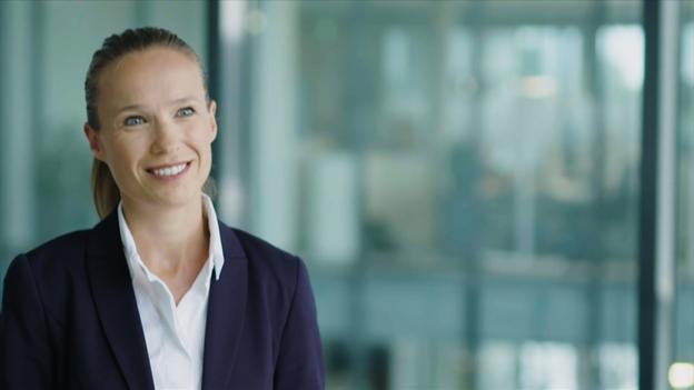 Dra. Nina Moyer, Jefa de Gestión de Talentos del Centro de Excelencia (CoE), SCHOTT